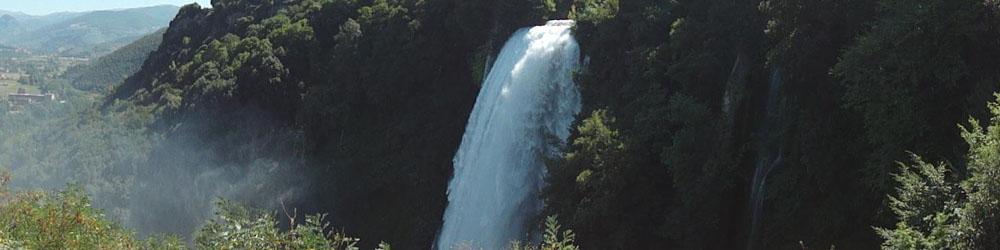 <span>Водопад Каскате делле Марморе высотой 165 м, является самым высоким водопадом в Европе.</span>